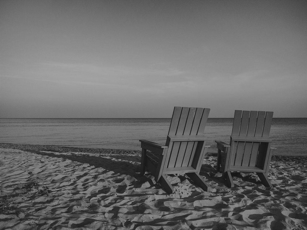 BW-Beach-chairs-1